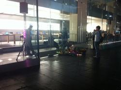 Apple Store vigil for Steve Jobs in Sydney