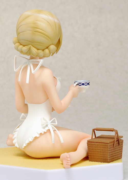 Darjeeling Beach Queen figure