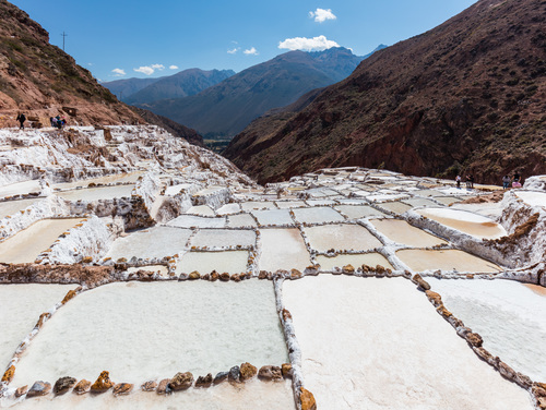Beautiful photo of salt evaporation pans in Peru, by Diego Delso