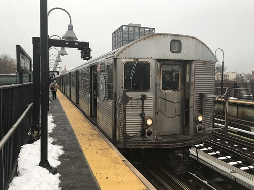 R32 set J train at Marcy Avenue, by R38R40 on Wikimedia Commons