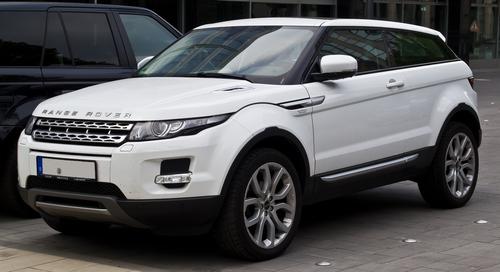 A white Range Rover Evoque
