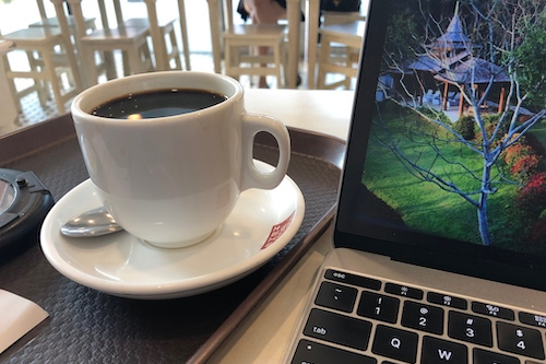 A stereotypically-Rubenerd photo of a coffee and laptop