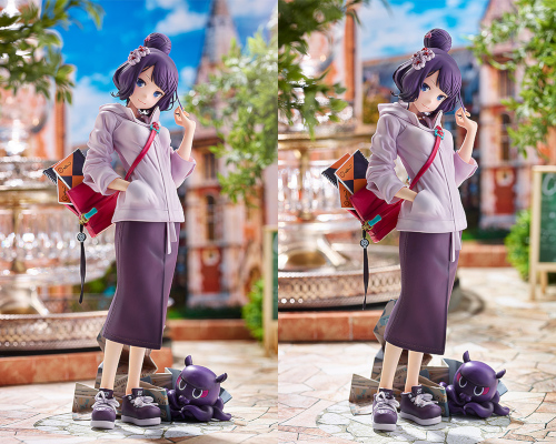 Press photos of Katsushika Hokusai's travel portait fig version showing comfy clothes and atmosphere.
