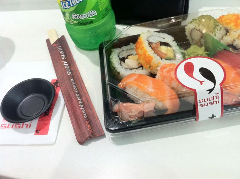 Green tea sushi lunch!