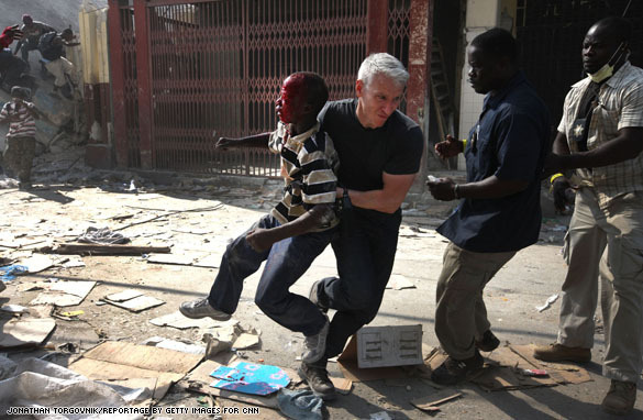 Photo of Anderson Cooper, description below