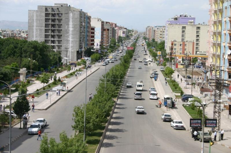 Photo of a street in Batman, Turkey