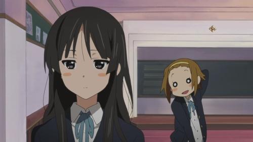 Akiyama Mio worried