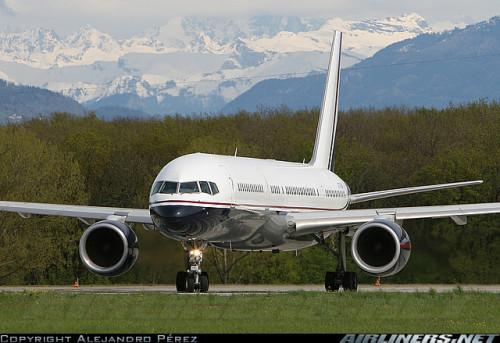 757 in Geneva, by Alejandro Pérez
