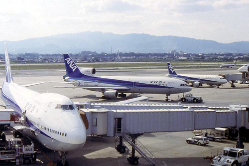 ANA Lockheed L-1011 TriStar in Osaka, 1992.