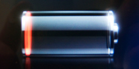 iPhone battery status indicator