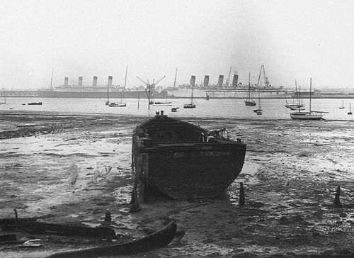 the RMS Olympic and the RMS Mauretania after their last voyages in 1935