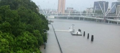 Photo of the burst Brisbane river.
