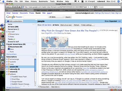 My 2002-vintage iBook G3 and Google Reader
